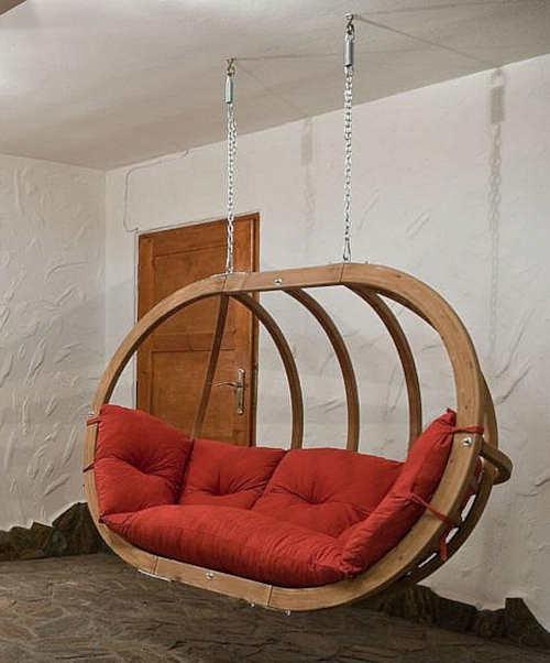 Dřevěné závěsné houpací křeslo do interiéru i exteriéru